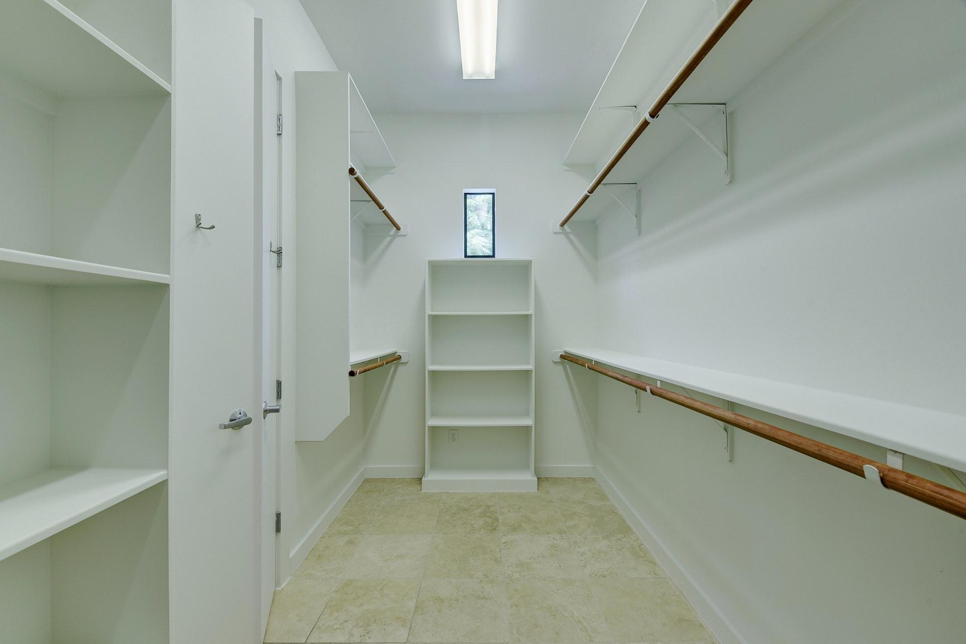 2618 Jefferson B -  Master Closet