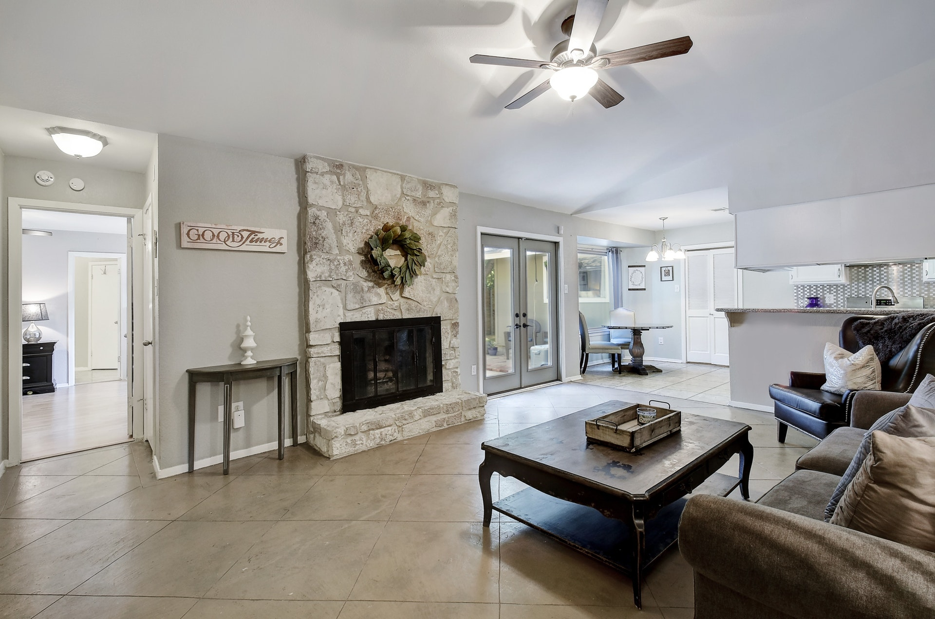 2300 Lear Lane - Family Room