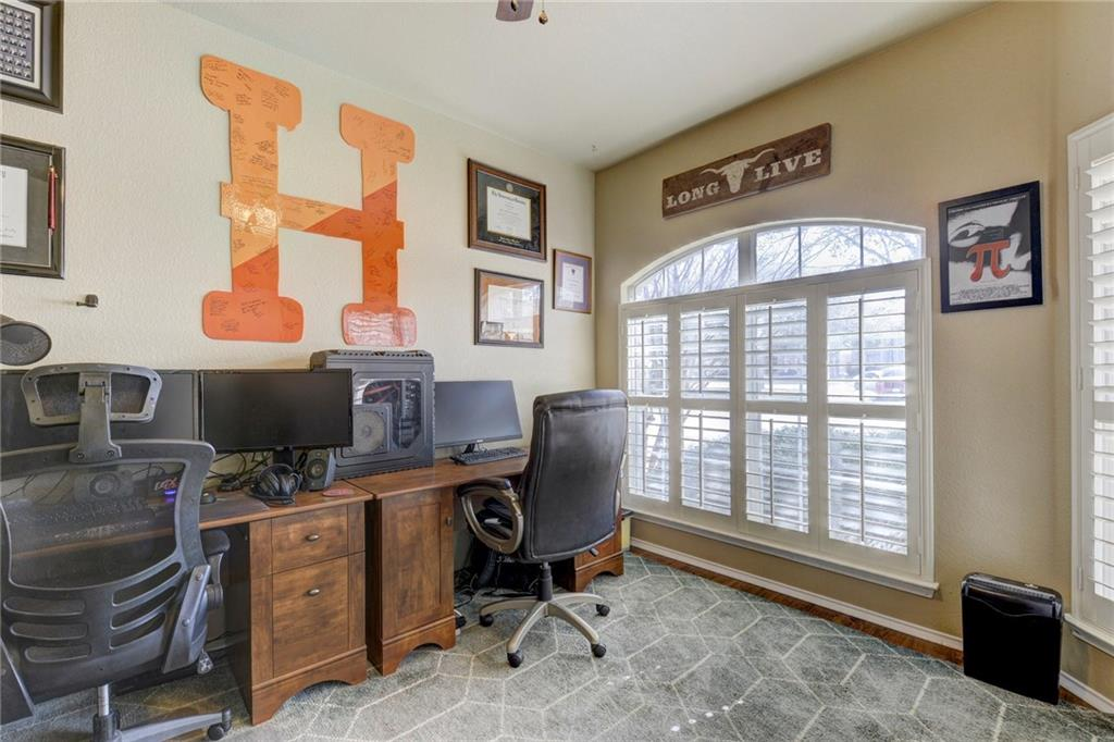 8908 Rustic Cove - Office
