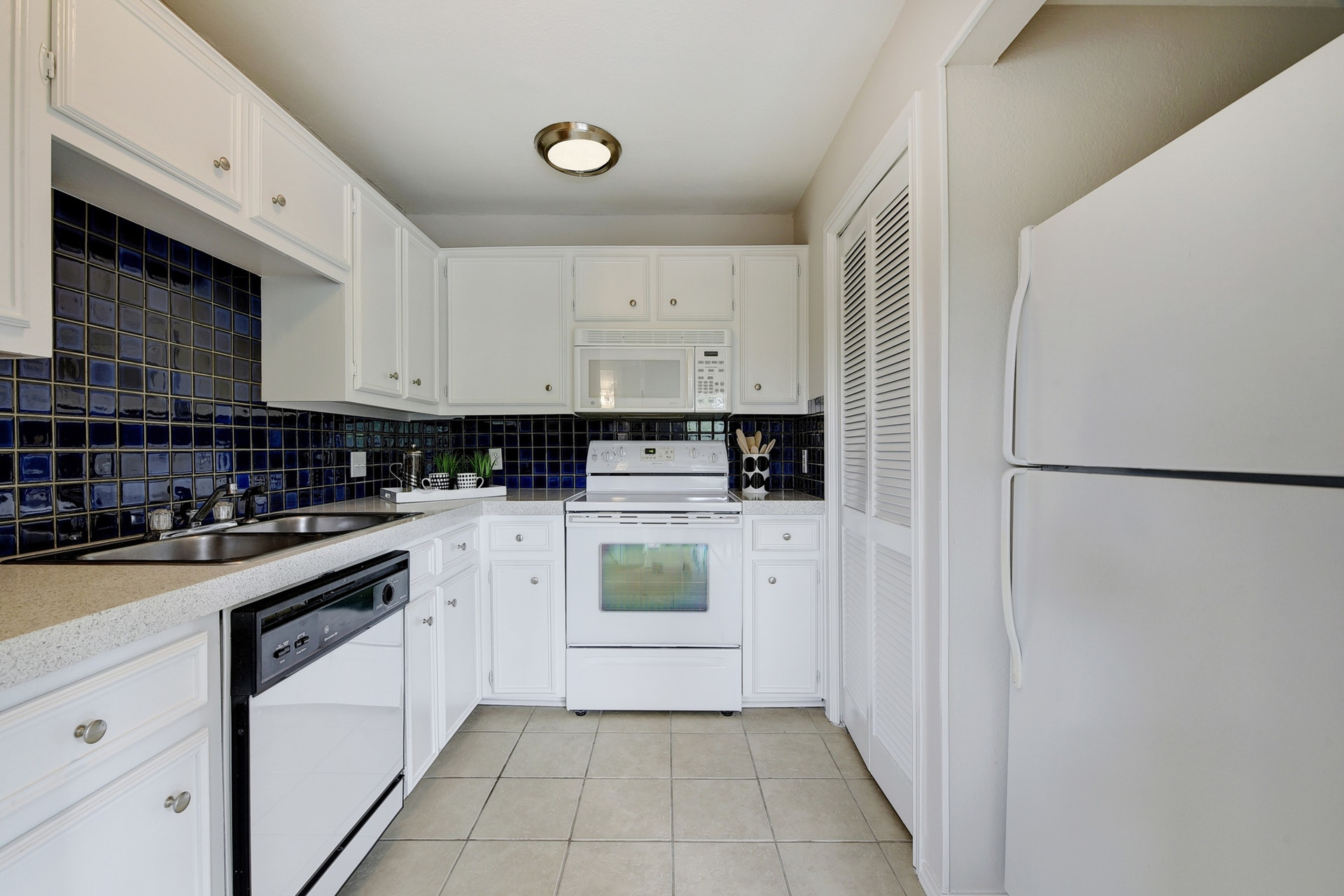 1500 Woodlawn - Kitchen 2