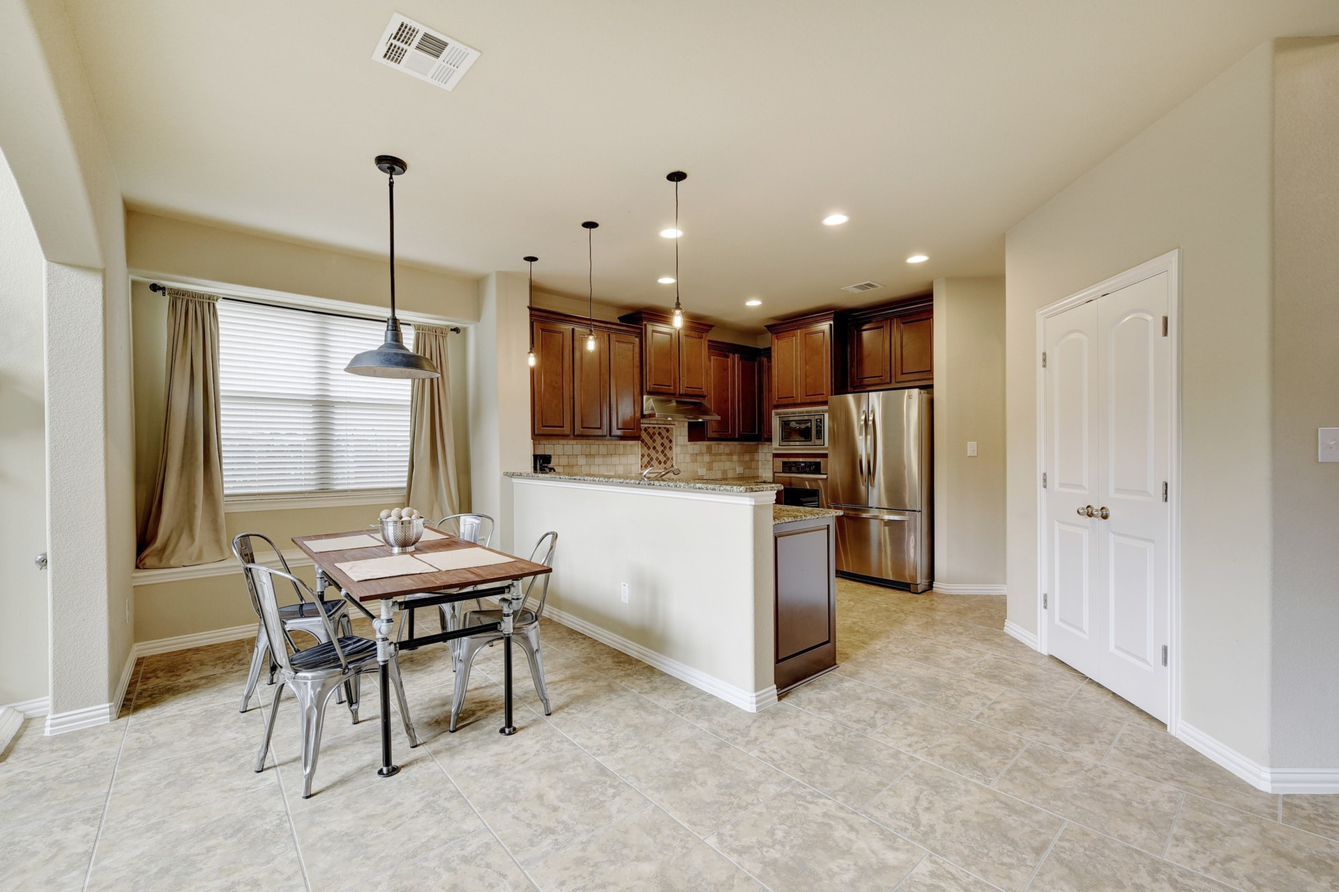 2121 Turtle Mountain - Kitchen 2