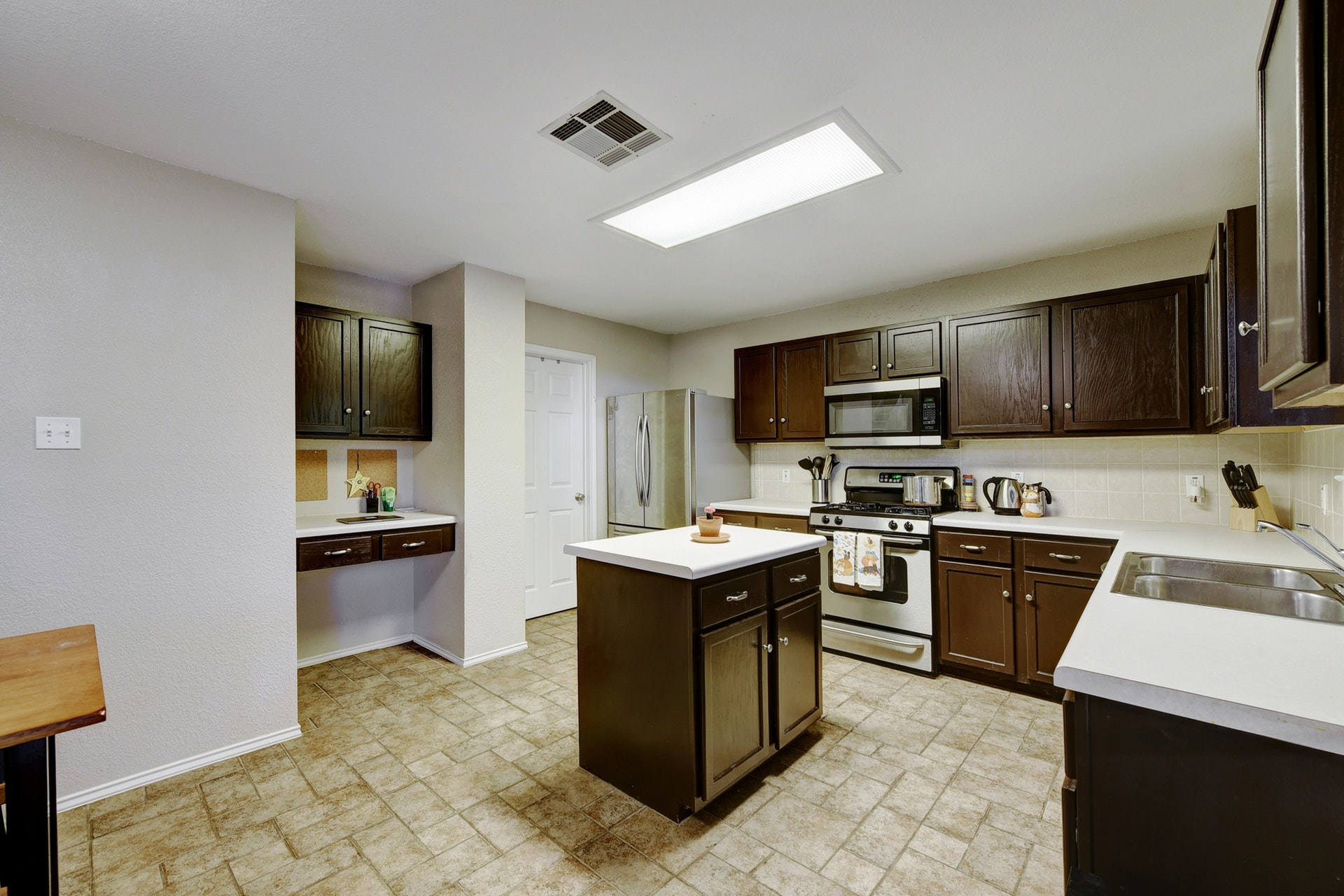 12308 Kelton | Kitchen 3