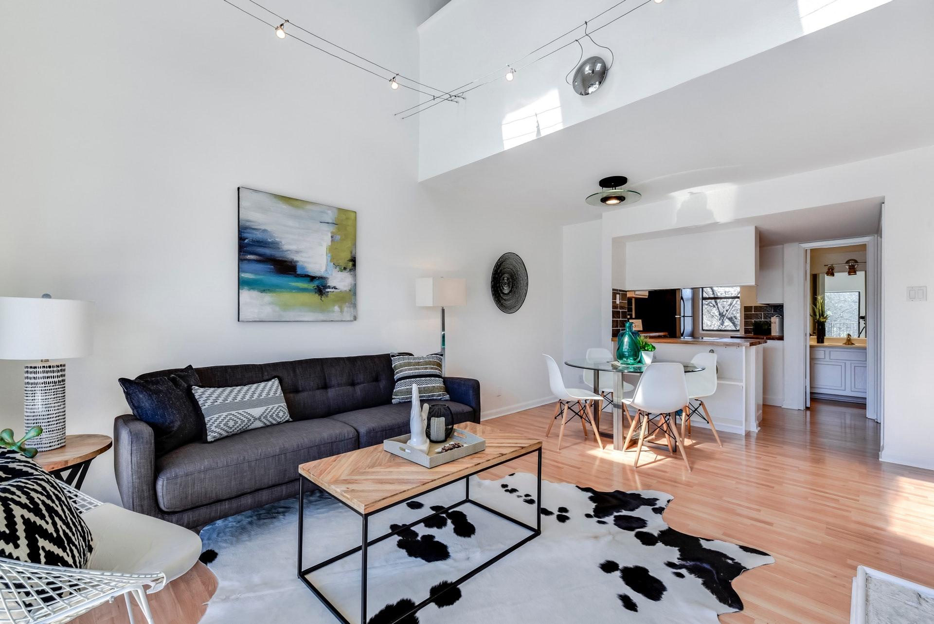 1135 Barton Hills - Open Living 2