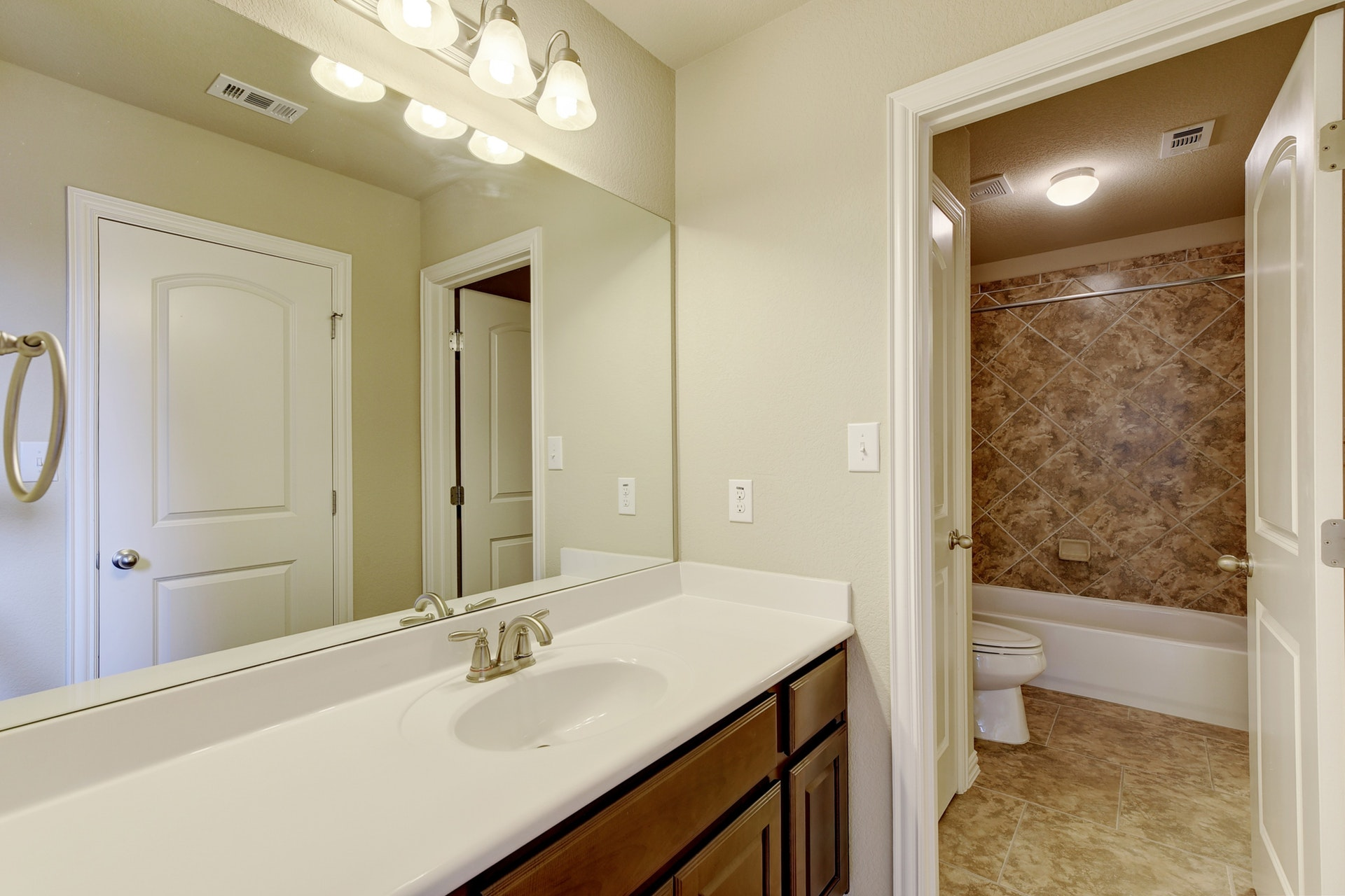 2121 Turtle Mountain - Third Bath