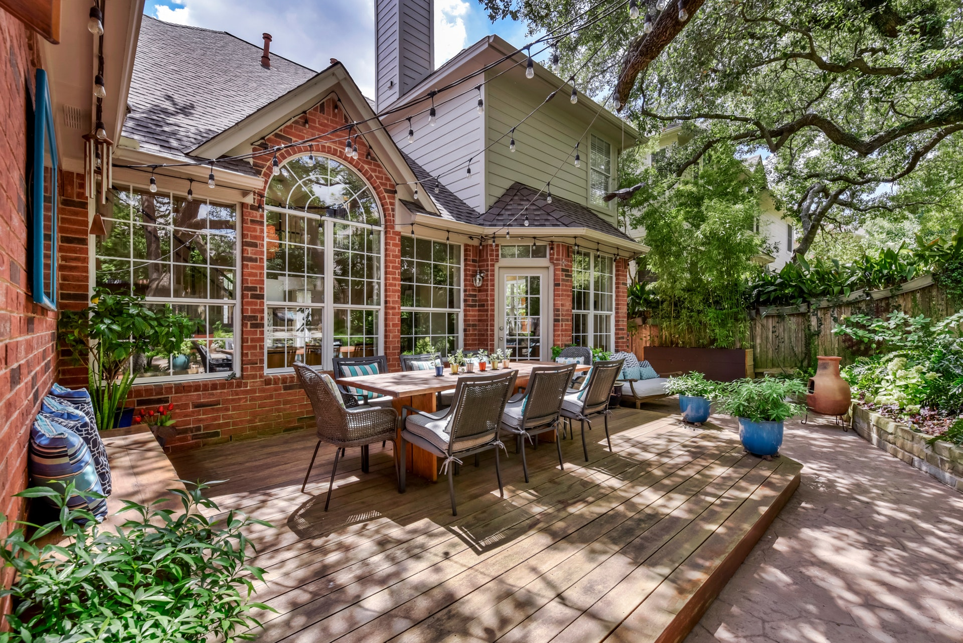 11100 Amesite - Outdoor Dining