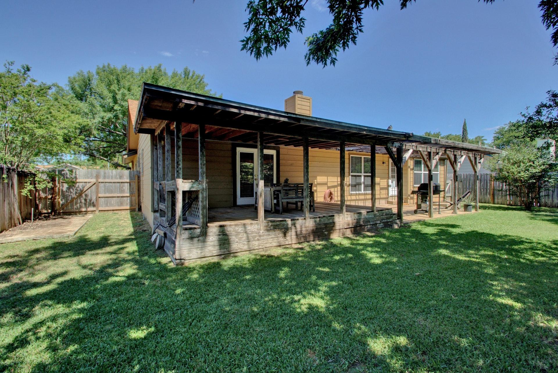 209 Hickok - Backyard