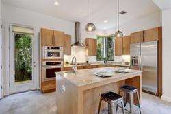 2618 Jefferson B - Kitchen