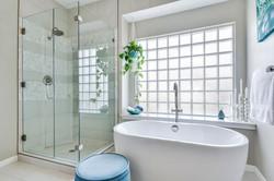 11100 Amesite - Master Bathroom 2