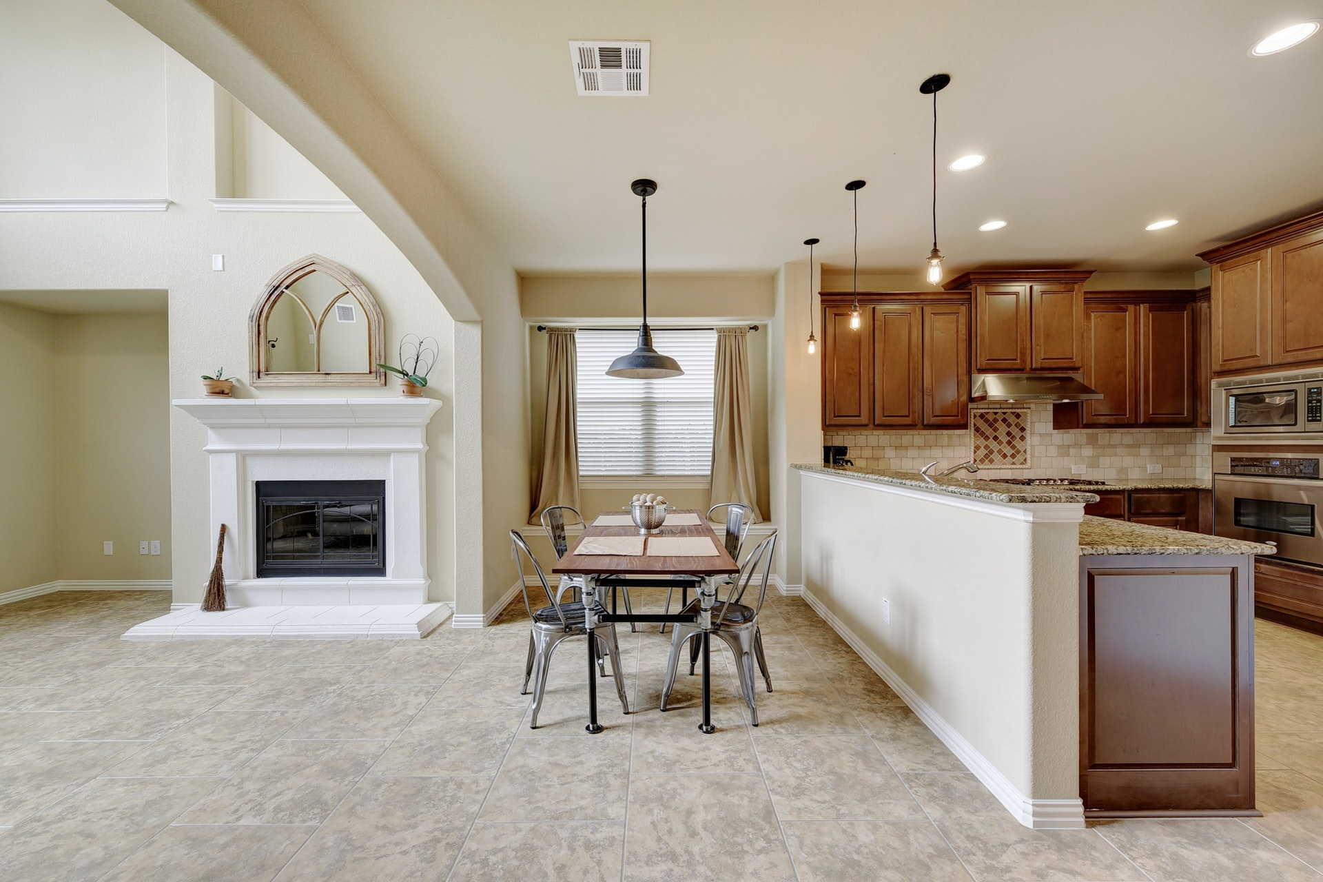 2121 Turtle Mountain - Open Living 4