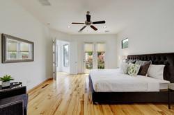 2618 Jefferson B - Master Bedroom