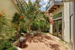 2618 Jefferson B - Outdoor Living