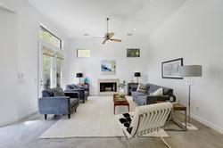 2618 Jefferson B - Living Room