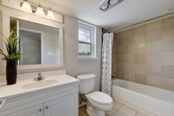 1500 Woodlawn - Master Bathroom
