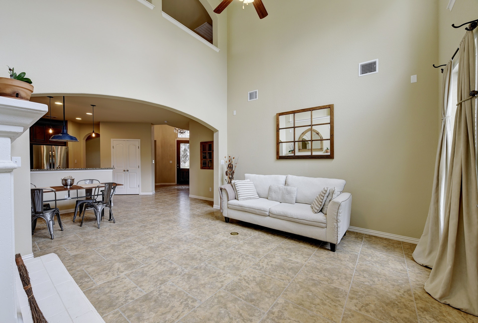 2121 Turtle Mountain - Open Living 3