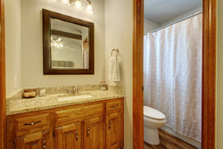 209 Hickok - Bathroom 2