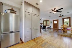 604 Mary - Large Pantry