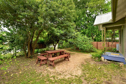 604 Mary - Private Yard