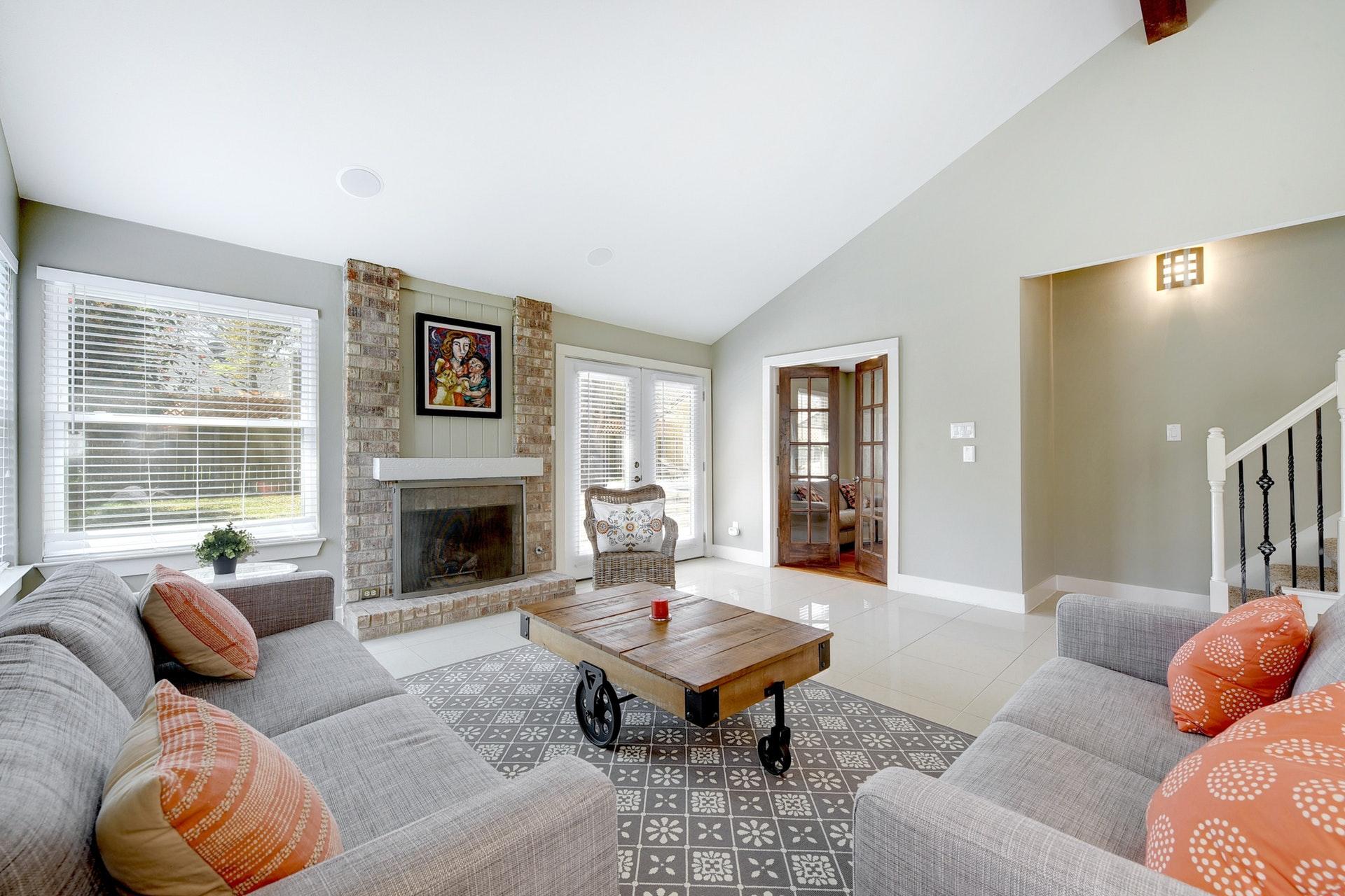 4601 Oak Creek Drive - Living