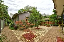 604 Mary - Shared Courtyard