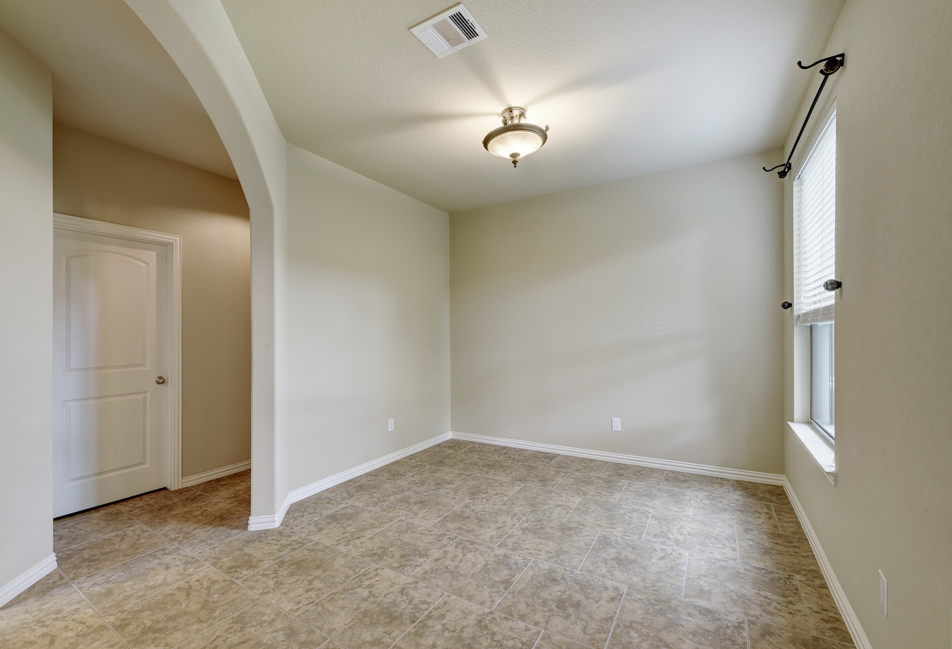 2121 Turtle Mountain - Formal Dining