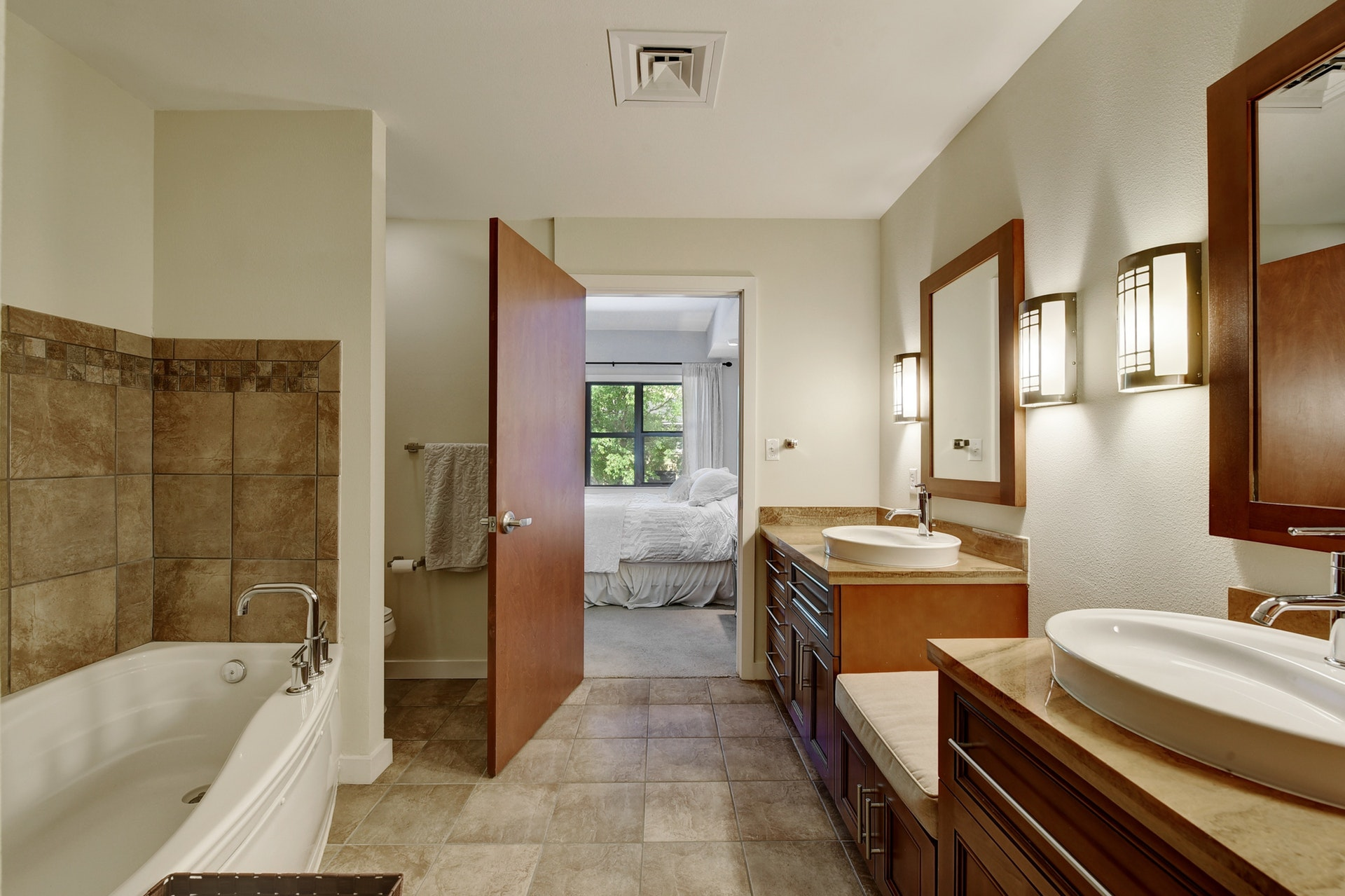 1812 West #306 - Master Bathroom