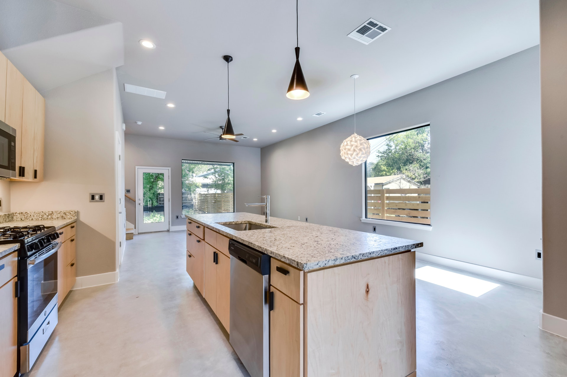 2900 Gonzales Street - Kitchen 2