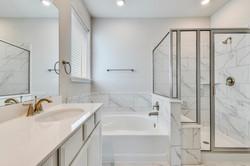 291 Diamond Point - Master Bathroom