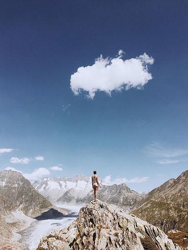 Fotoshooting beim Aletschgeltscher, Riederalp, Schweiz. Design by Kathrin Nutter Desgn Studio, Baden, Aargau, Schweiz