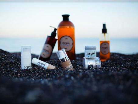 Ποια είναι η σωστή σειρά για να χρησιμοποιήσεις τα προϊόντα ομορφιάς;