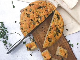 Easy Garlic & Oregano Focaccia
