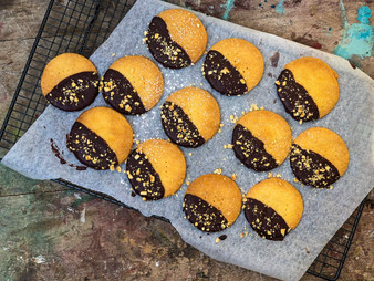 Chocolate Shortbread Rounds