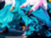 Faldas y pies_edited.jpg