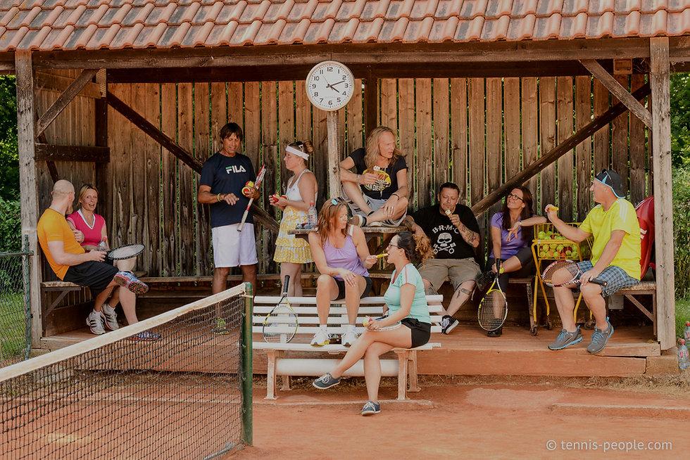 Next Level Tennis - Tenniskurse für alle Spielstärken und Altersklassen. In Wardenburg beginnt Dein Spiel!