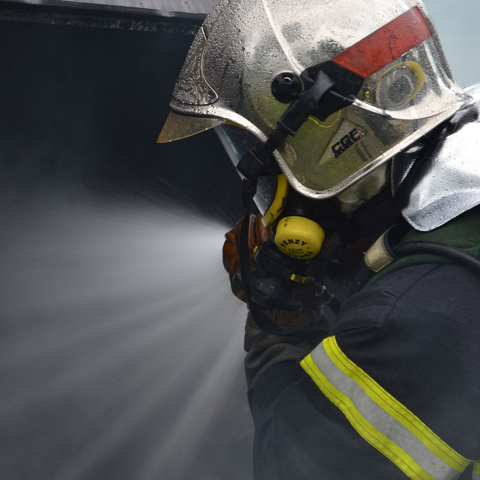 1200px-French_fireman.JPG