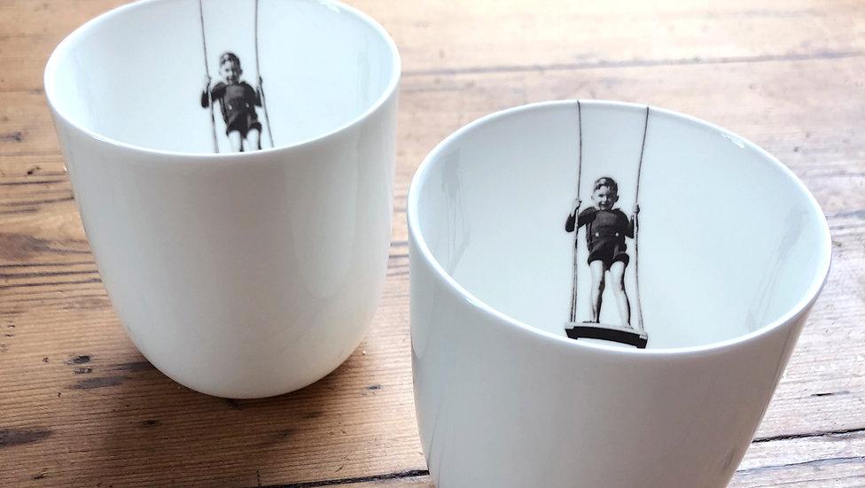 Les mugs, la balançoire