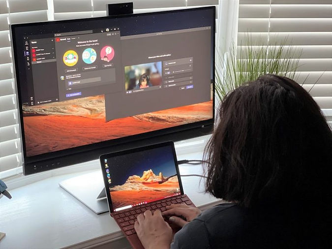 Dell-2-Display-With-Microsoft-Teams-768x