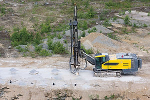 5251_Drilling machine in open cast minin