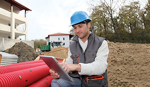 5156_Construction worker with tablet pc.