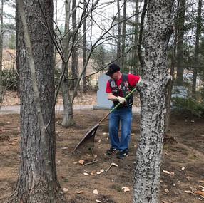 2019.04.14 Veteran's Cemetery Cleanup.3.