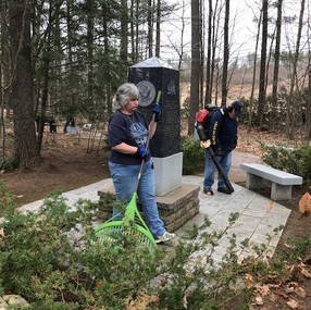 2019.04.14 Veteran's Cemetery Cleanup.2.