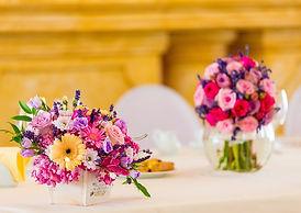 květinová výzdoba, gerbery, růže, barvy