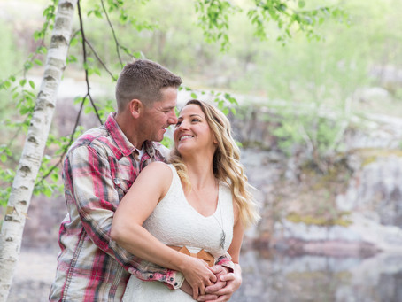 {Andy & Melissa} Quarry Park Spring Engagement Session