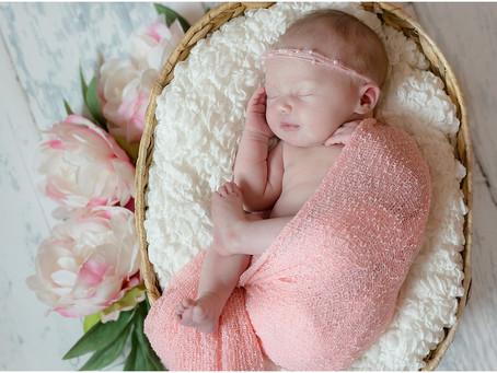 {Elliett} Newborn Baby Girl In-Home Lifestyle Session