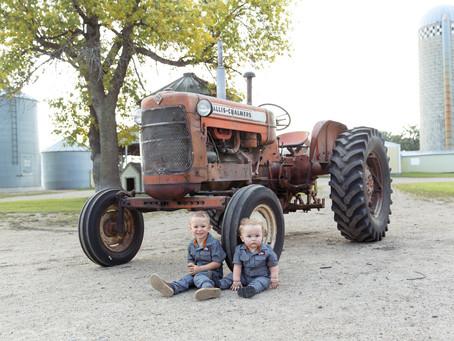 {Asher 1 & Porter 3} Children's Photo Session on the Farm