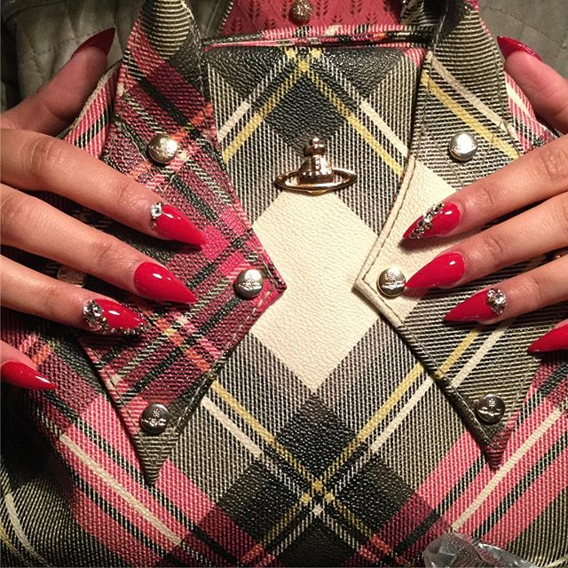 #rednails #stilettonails #viviennewestwood #handbag #swarovski #nails