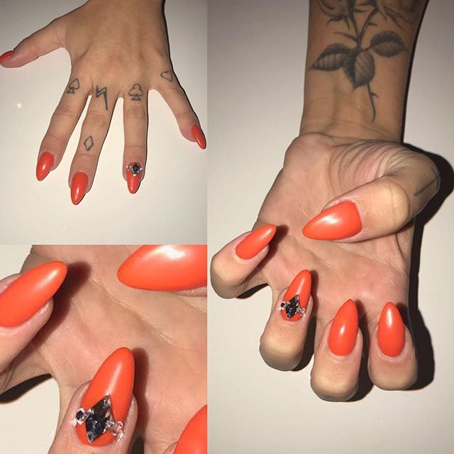 _jesynelson  It was so to be recommended to do your nails Friday,  I must say you were really lovely
