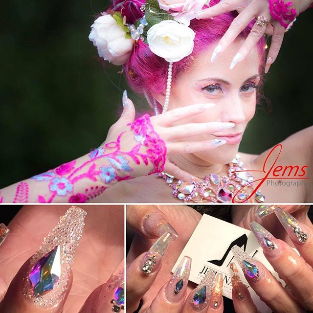 #jemzbeautifulbrides #jemzbridal #jemzbling #weddingnails #bridalnails #pinkbride #weddingphoto #pin