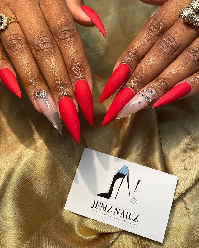 Red Acrylic 💋with Swarovski Crystals fr