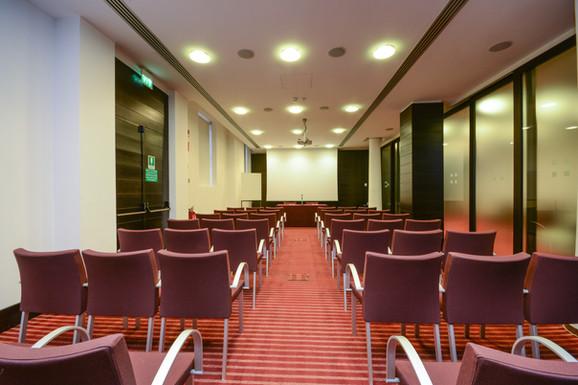 Hotel Igea Brescia ex NH Hotel -Sala meeting Colonne - Platea.jpg