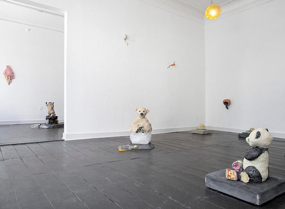 Mette vangsgaard, fine arts, ceramic sculptures, installation view, skulpturer keramik, dansk kunst, nordic art, enviroment art